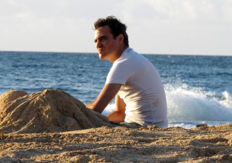 the-master-joaquin-phoenix-beach
