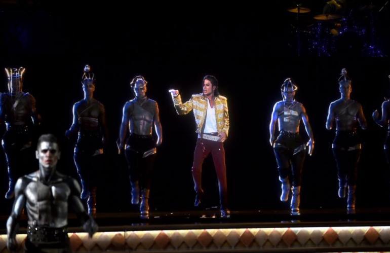 Holograma de Michael Jackson en plena coreo.