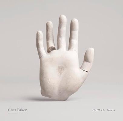 La mano de Chet Faker, icónica.