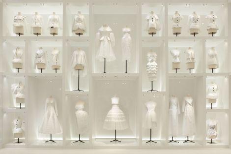 Christian-Dior-´Designer-of-Dreams´-exhibition-2